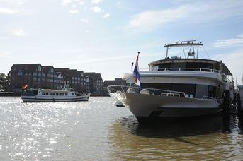 Schiff- und Hafenrundfahrten